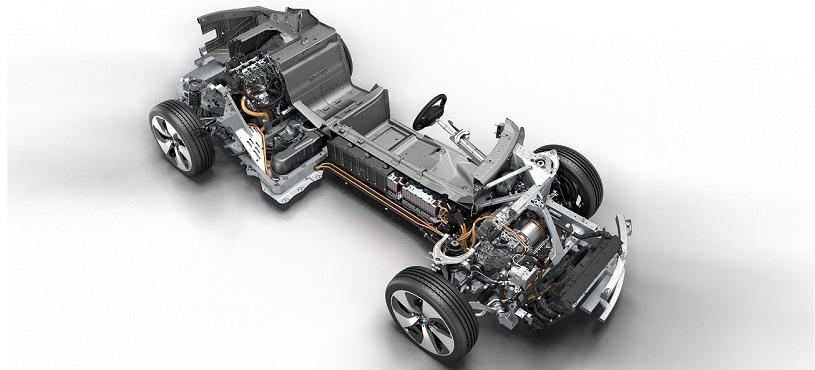 BMW İ8'İN PLUG-İN-HYBRİD 5. KEZ YILIN MOTORU