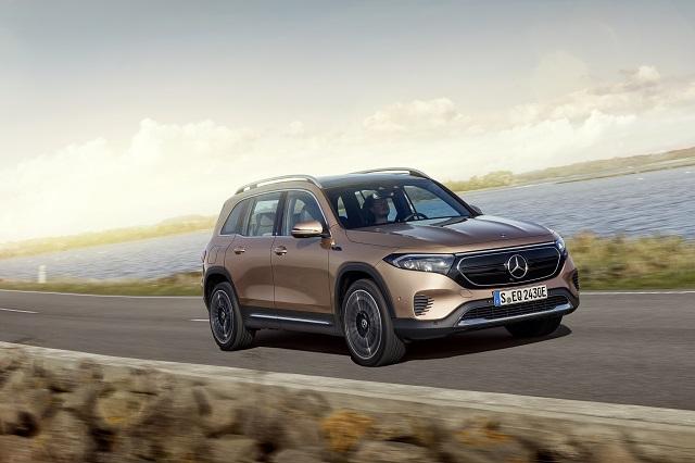 Mercedes, elektrikli 7 kişilik kompakt SUV'u EQB'yi tanıttı!..